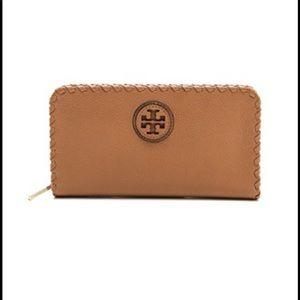 EUC Tory Burch Marion stitch wallet - bark